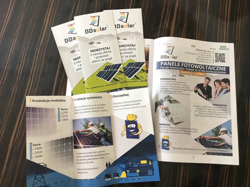 Materiały reklamowe dla firmy BBSolar Sp. z. o.o. na zdjęciach widoczne ulotki reklamowe