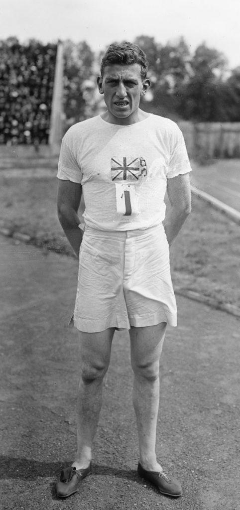 Fot. Mistrz Olimpijski na dystansie 100m z Paryża 1924r. Harold Abrahams w pionierskich butach z kolcami.